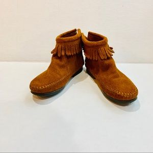 Minnetonka Booties 12